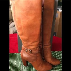 Leather heeled cognac boots